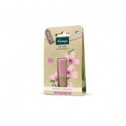 Kneipp balsamo labial sensitive care (almendra y candelilla 4.7 g)
